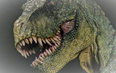 Un dinosaurio se escapa de la web de Dean Romero